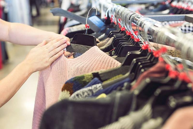 shop-out-of-season-save-money